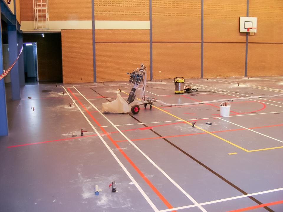Floor lifting school gym