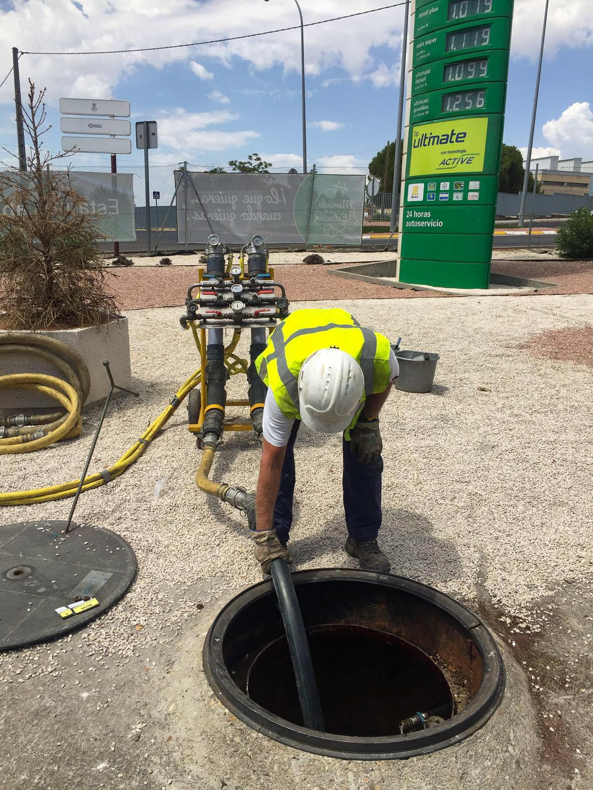 Hardfoam Tank filling BP petrolstation in Spain