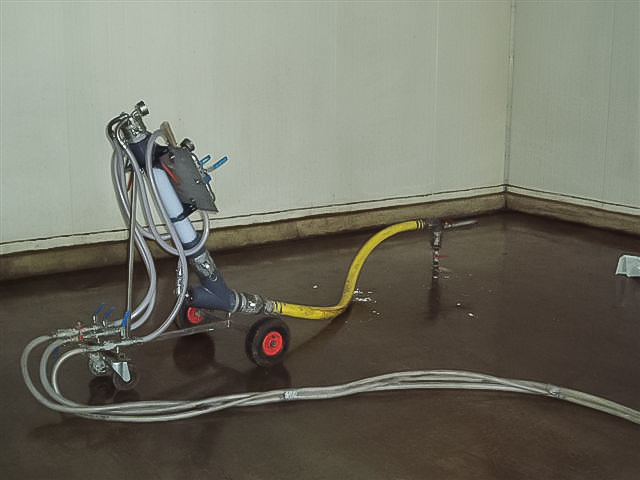 Floor lifting equipment